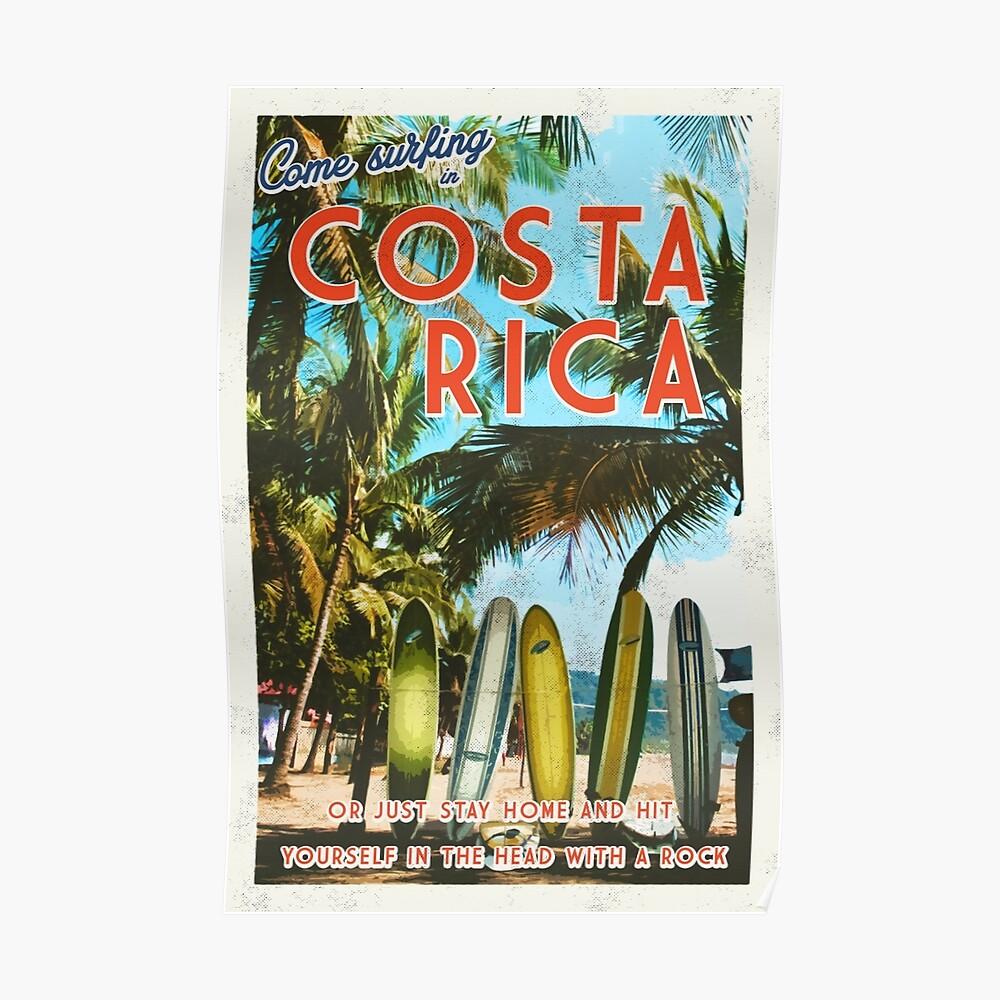Surfear en Costa Rica no es fácil. Póster