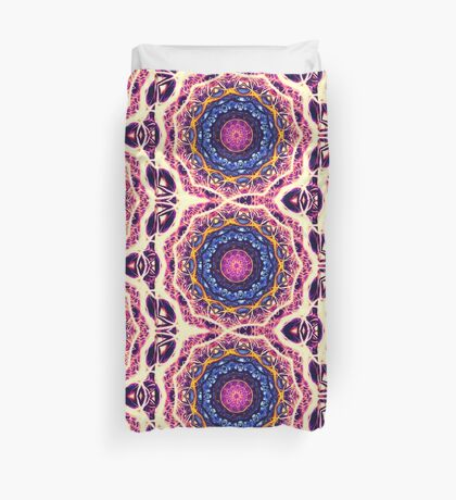 Kaleidoscope 6 psychedelic abstract healing mandala tunnel pattern . Duvet Cover