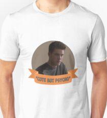 *Cute but Psycho* [Theo Raeken] Unisex T-Shirt