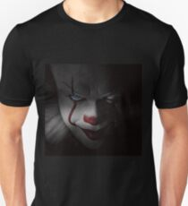 "Pennywise ""IT"" - Bill Skarsgard (Blue Eyes) Unisex T-Shirt"