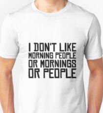 Morgen-Leute hassen lustigen sarkastischen Zitat-Kaffee Slim Fit T-Shirt