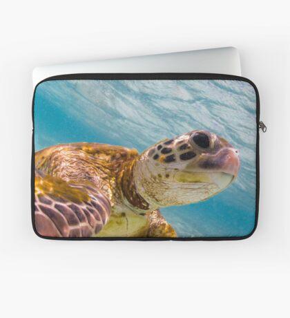 Turtle selfie - print Laptop Sleeve