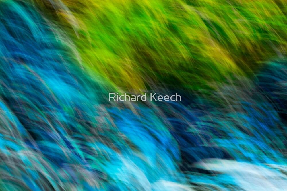 Splashing down the rocks by Richard Keech