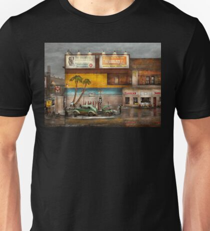 Gas Station - Dreaming of summer 1937 Unisex T-Shirt