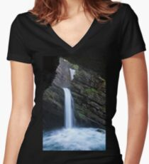 Thur Waterfalls Women's Fitted V-Neck T-Shirt