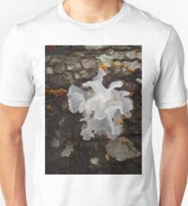 Pretty, frilly fungus (Tremella fuciformis) Unisex T-Shirt