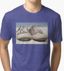 Sneakers old Tri-blend T-Shirt