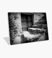 Le vieil escalier Laptop Skin