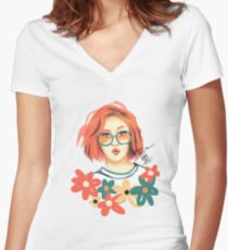 Hwasa Women's Fitted V-Neck T-Shirt