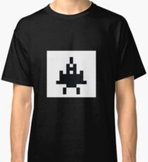 Pixelart space fighter  Classic T-Shirt
