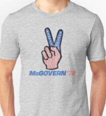 George McGovern Hand Peace Sign 1972 Presidential Campaign Unisex T-Shirt