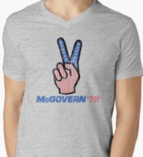 George McGovern Hand Peace Sign 1972 Presidential Campaign T-Shirt