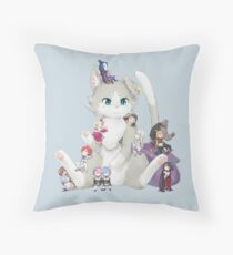 Re: Zero - Puck & Characters Throw Pillow