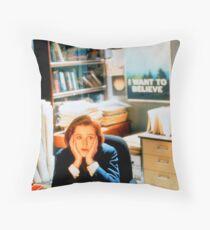 DANA SCULLY x files Throw Pillow