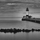 North Pier Lighhouse by rosaliemcm