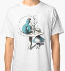 Alice wants a toke Classic T-Shirt