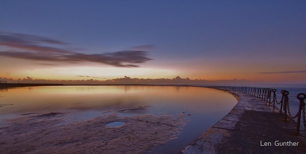 Newcastle ocean pool by Len  Gunther