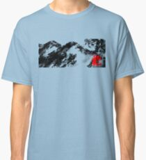 Japanese snow mountain scene Classic T-Shirt