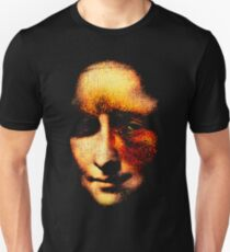 monalisa with eyes that watch the world and can't forget T-Shirt