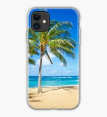 Palm trees on the sandy beach in Hawaii iPhone-Hülle & Cover