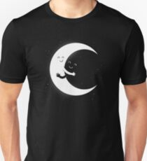 Gifts For Mom - Moon Hug Shirt - Funny Picture T-Shirt T-Shirt