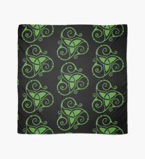 Spiral Celtic Tri Knot in Green Scarf