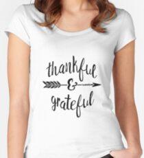 Dankbar und Dankbar Tailliertes Rundhals-Shirt
