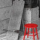 RED STOOL - GREY GRANITE by RGHunt
