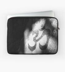 Om Sanskrit painted on stone Laptop Sleeve