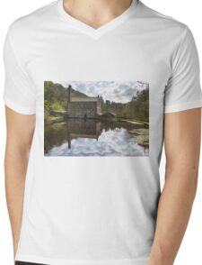 Gibson Mill in Hardcastle Crags nature park, Mens V-Neck T-Shirt