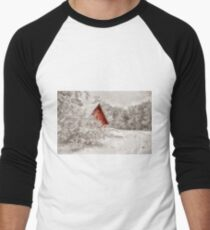 Red Shed In The Snow Men's Baseball ¾ T-Shirt