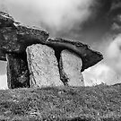 Poulnabrone dolmen by Martina Fagan