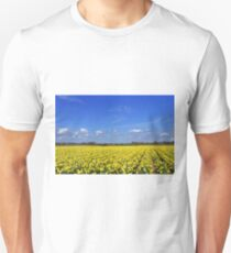 Daffodil fields in Hampshire, England T-Shirt