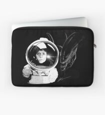 Ripley and the Beast Laptop Sleeve