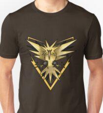 Team Instinct Zapdos T-Shirt