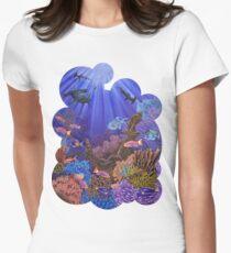 Unterwasser Korallenriff Tailliertes T-Shirt für Frauen