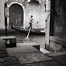 Signore Gondolier by Andy Freer