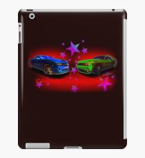 Camaro vs Challenger Controversy T-Shirt! iPad Case/Skin