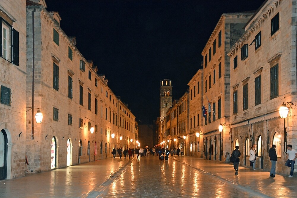 Saterdaynight in Dubrovnik by Arie Koene