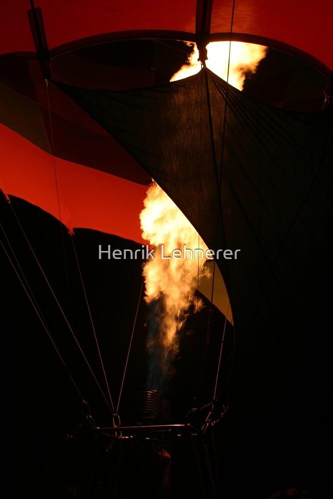 Hot Air Baloon by Henrik Lehnerer