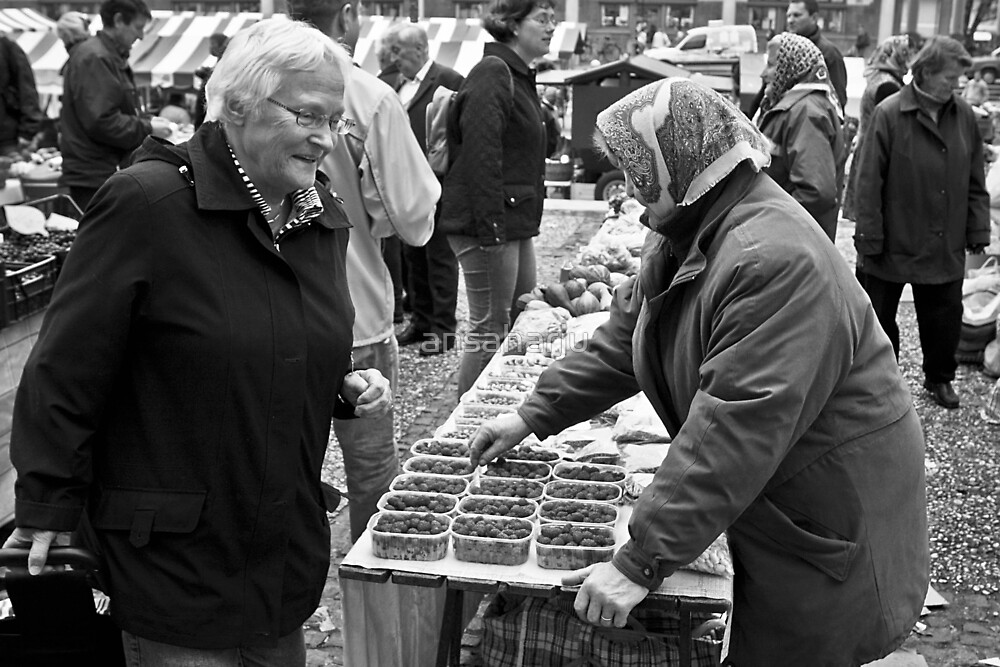 Market Place Ladies by ansaharju