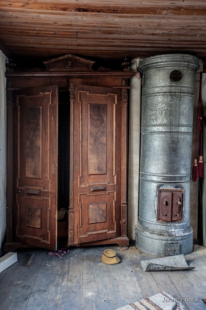 Abandoned in 1940´s House by Janne Flinck