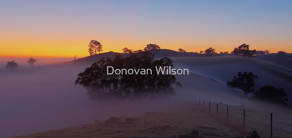 Rolling mist by Donovan Wilson