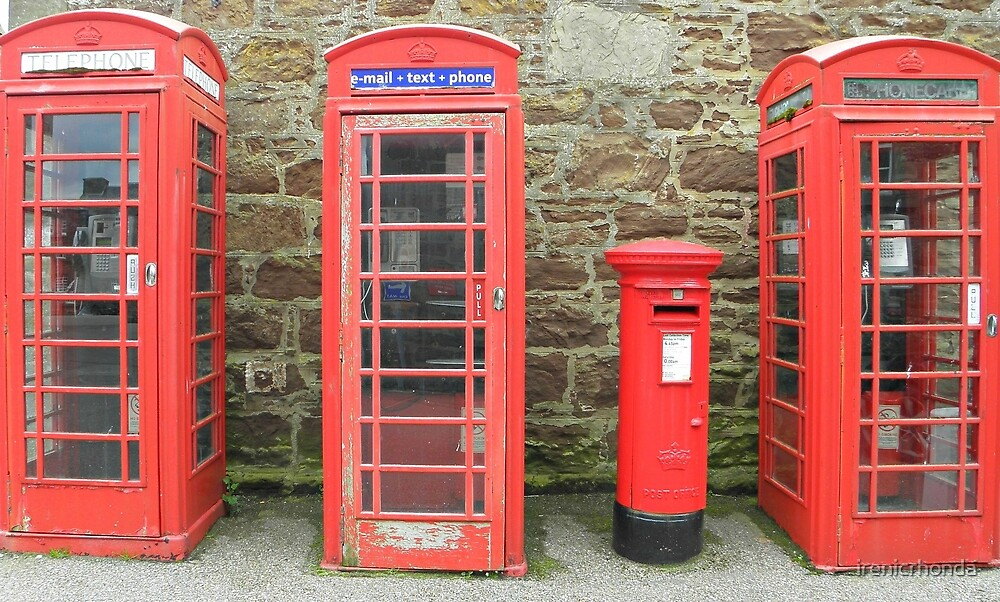 Iconic red telephone boxes with an iconic red post by irenicrhonda