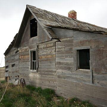 Old Wooden Farmhouse by raquelfletcher