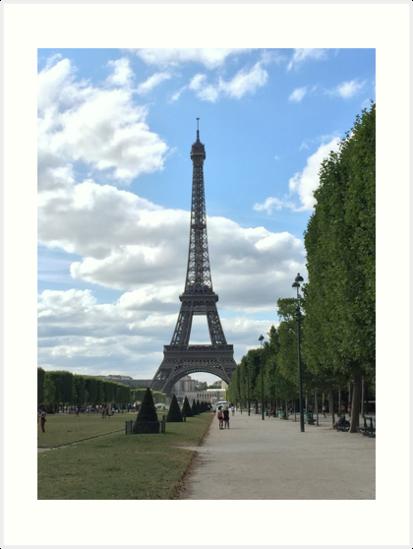 Eiffel Tower in Summer by heyfrank19