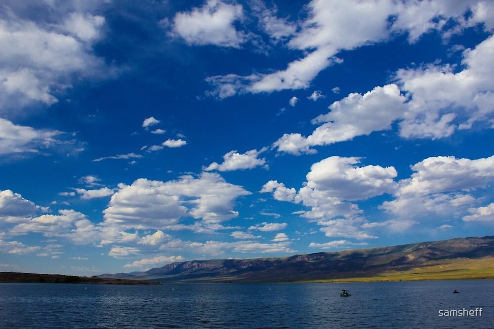 Lake in Utah by samsheff