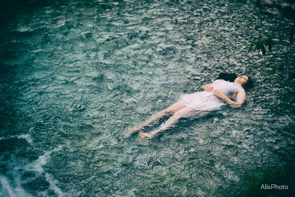 Lying down by AlisPhoto