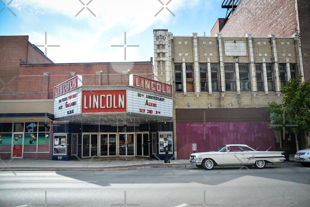 The Historic Lincoln Square Theater in  Decatur, Illinois by jenbucheli