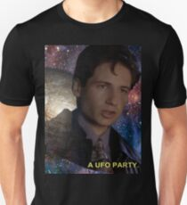 Spaced Out Mulder Unisex T-Shirt